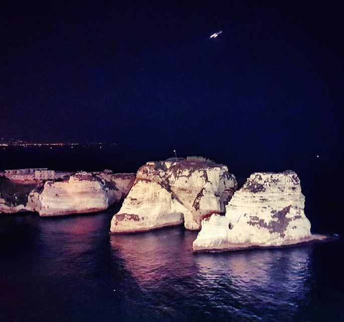 Cliffhangar pigeonrocks falamanki nightlife citylife streetlife ... (Beirut, Lebanon)