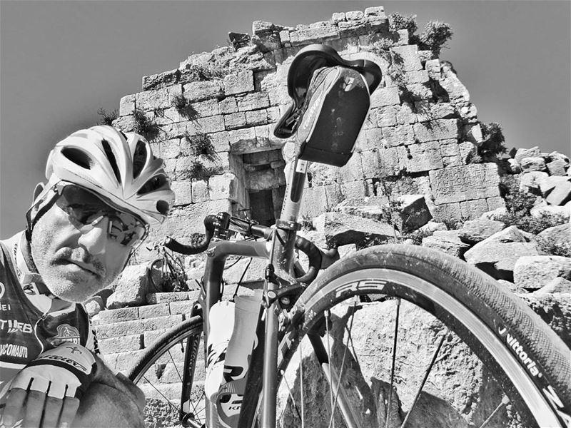 riding ridingday chabrouh faraya faqra bakich lebanon hanounhd ... (Faqra (fornlämning i Libanon, lat 34,00, long 35,81))