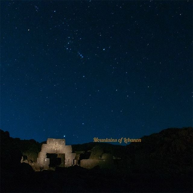 Startgazing at its best!Roman archeology, a Stargate? stary night...... (`Aïn Hirsha, Béqaa, Lebanon)