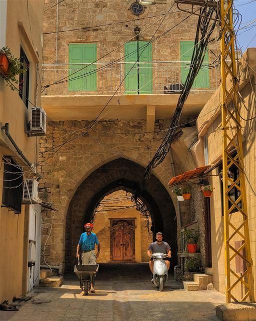 Summer in Tyre discovertyre• beiruting beirut lebanon beirutcity ... (Tyre, Lebanon)