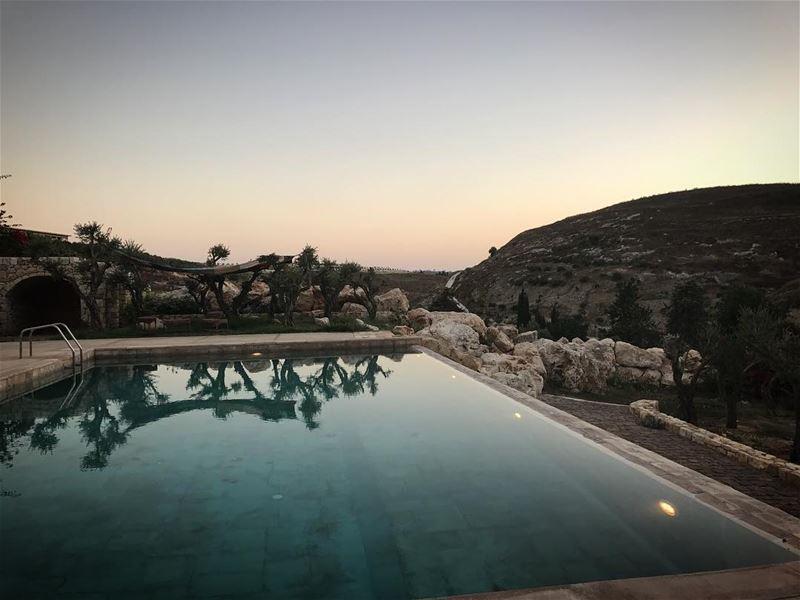 ~..This place just stole my heart..~ 🌹 lustforlife thewayyouread ... (Az Zrariyah, Al Janub, Lebanon)