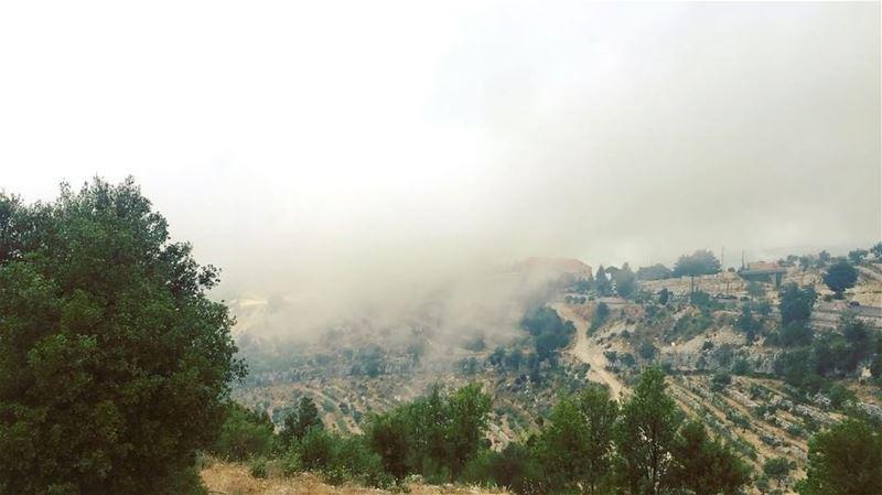 هون السما قريبي ... 💚 SaintCharbel livelovebeirut livelovelebanon ... (Annâya, Mont-Liban, Lebanon)