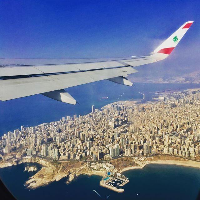 Beirut 😍! city lebanon flag 🇱🇧 raouche livelovelebanon ... (Beirut, Lebanon)