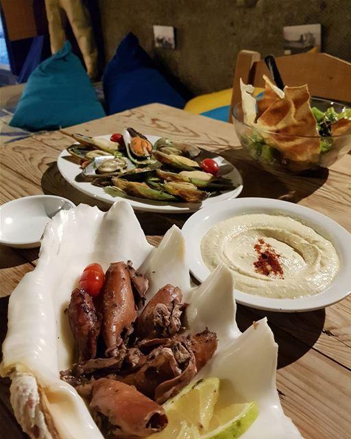 batroun restaurants @oysterseafood oysters calamar seafood ... (Phoenicien Wall)