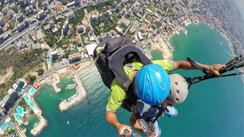 Getting closer to the free fall 😉 🌬🚀••••••••••••••••••••••••••••••••••• (Bay Of Jounieh)