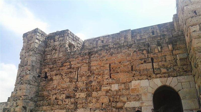 byblos jbeil lebanon castle medieval crusader architecture ... (Byblos Castle)