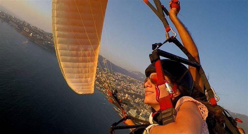 paragliding sunset jounieh adrenalinerush fly befree ... (Jounieh, Liban)