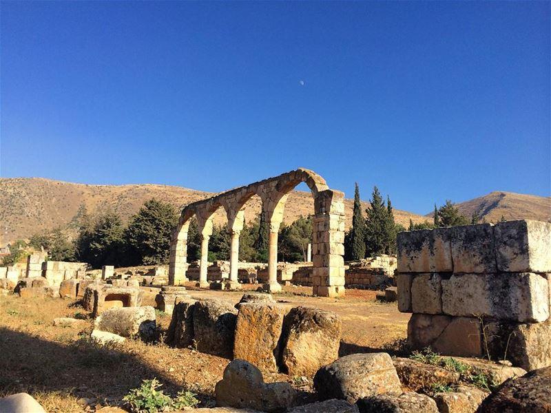 lebanon liban bekaa valley history culture ancient roman ruins ... (`Anjar, Béqaa, Lebanon)