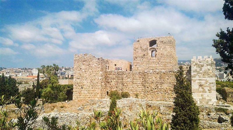 medieval crusader castle byblos jbeil lebanon livelovelebanon ... (Byblos Castle)