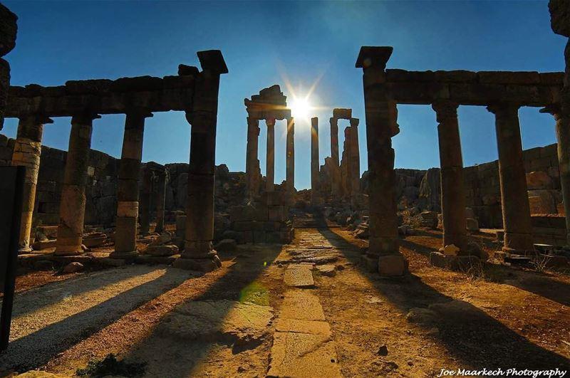 Roman Temple Faqra🏛 faqra temple romantemple ruins lebanon sunset ... (Faqra (fornlämning i Libanon, lat 34,00, long 35,81))