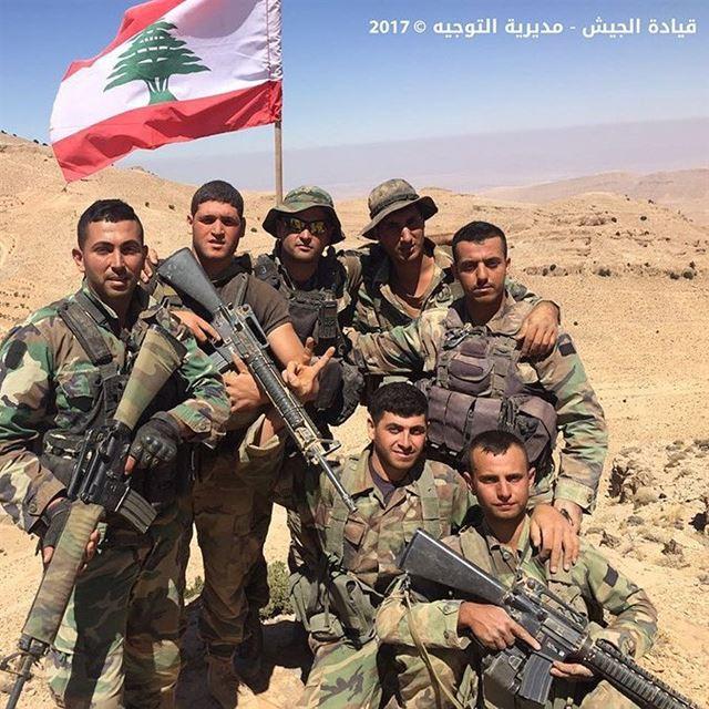 الجيش يرفع العلم فوق قمم حليمة قارة وعقابة مرطبيا وحليمة القبو⠀⠀⠀⠀⠀⠀⠀⠀⠀ ⠀⠀