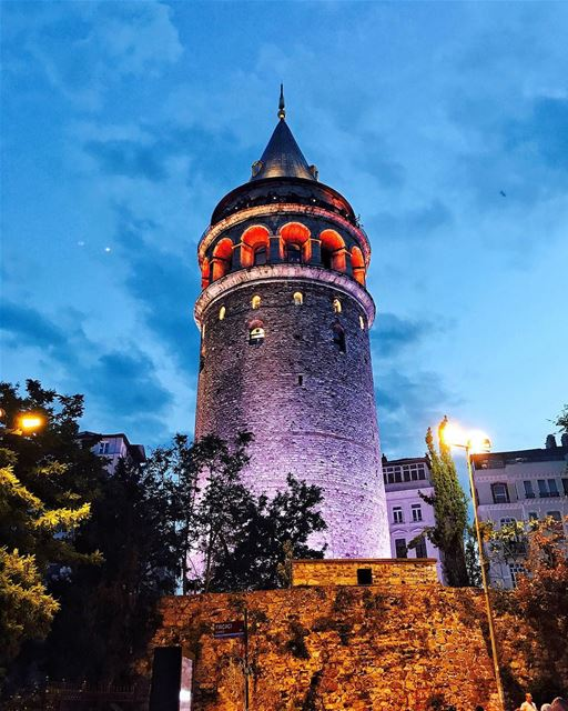 Throw me your hair Rapunzel..... Lebanon Beirut popcorn961 summer ... (Galata Tower)