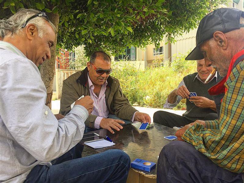 ♥️♠️إجتماع طارئ♦️♣️.. cards meeting beirutstreets ... (Beirut, Lebanon)