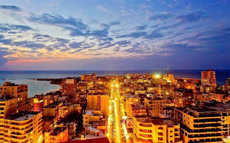 Beiruting by night 🌇...📸 @perlabader . beirut nights... (Beirut, Lebanon)