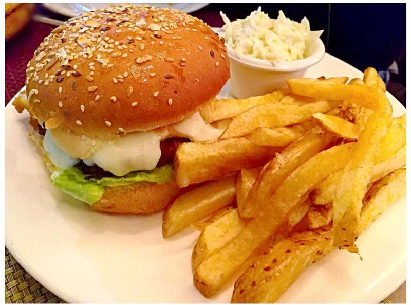 A mouthwatering mozza burger experience @masaresto worth a super burger... (Bcharré, Liban-Nord, Lebanon)