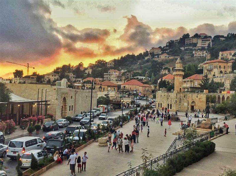 🌆 (Deïr El Qamar, Mont-Liban, Lebanon)