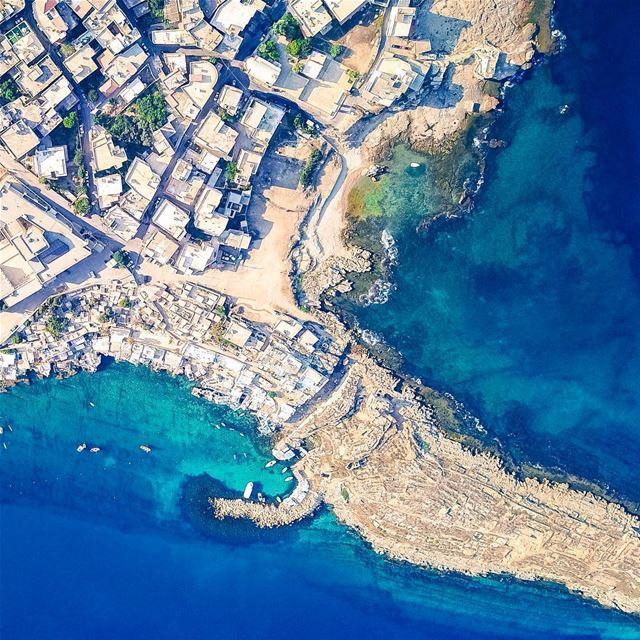 🇱🇧 Foto do @rabz84 capturada por um drone sobre a costa de Anfeh. É com... (Anfeh, Lebanon)