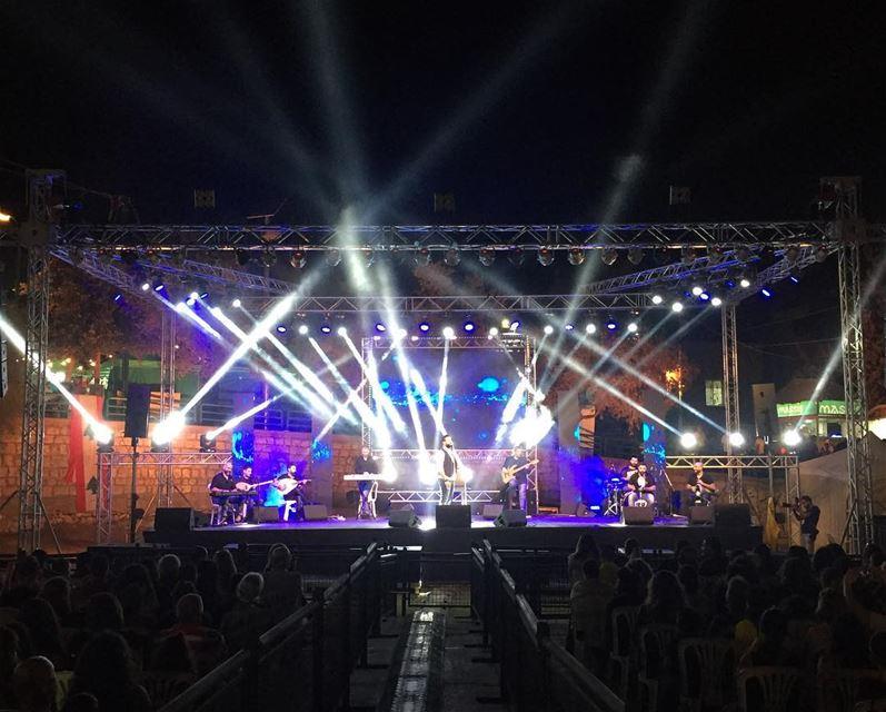 ajaltoun ajaltounfestival2017 live georgesnehme marzakhia stage ... (Ajaltoun, Mont-Liban, Lebanon)