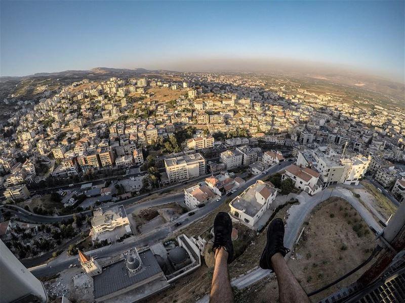 I wish you would step back from that Ledge, Architect ... (Zahlé, Lebanon)