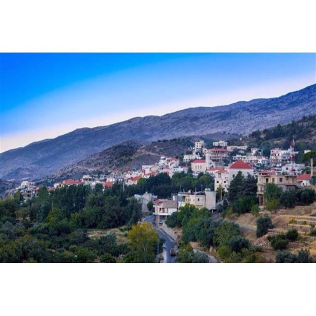 Repost from @riadkanaan walkthroughsaghbine whatsaplebanon lebanon ... (Saghbîne, Béqaa, Lebanon)