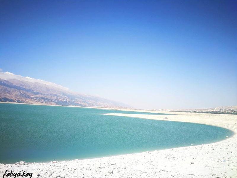 lake lebanon nature holiday b 💙 igdaily montain skyline skylovers... (Lake Qaraoun)