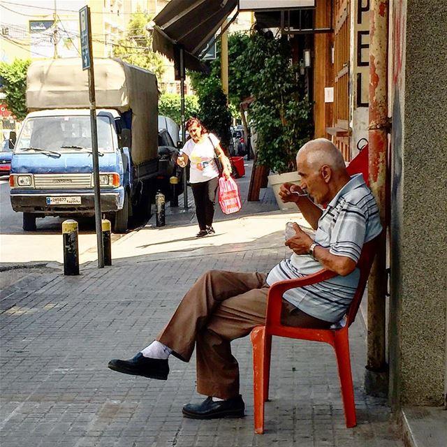 Sahtein Monsieur! beirut beyrouth livelovebeirut beirutcity beiruting... (Beirut, Lebanon)
