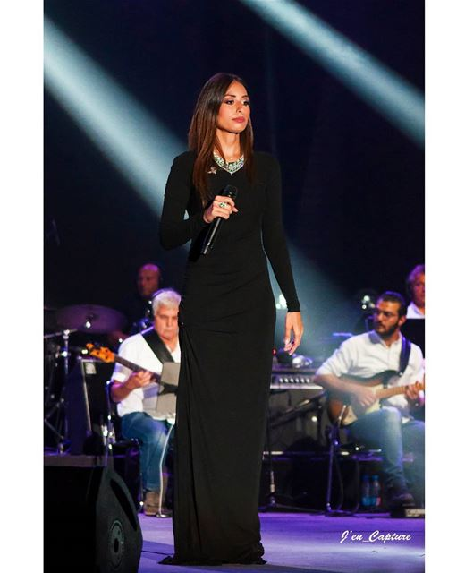 The real queen mesmerized the crowd with her stunning look, exceptional... (Biel Beirut Outdoors)
