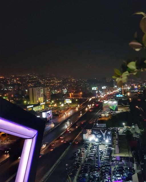 My Lebanon 🇱🇧⠀Мой Ливан - яркий, шумный и острый на вкус 🌶.⠀Дом для... (Deece)