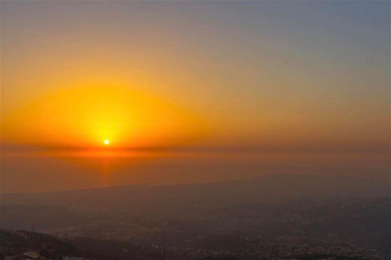 Sunset beirut landscape sunshine nature lebanon_hdr lebanonspotlights... (Aley)