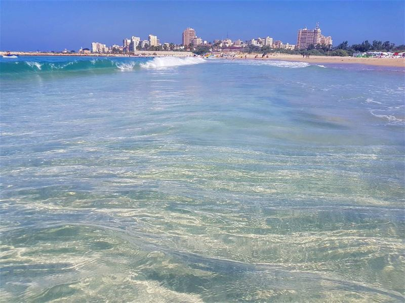 Summerbelike🌞🌞🇱🇧🇱🇧 beattheheat water ocean seaside sand waves ... (Tyre-Sour At Beach)