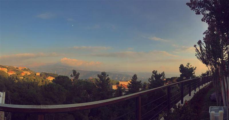 Lebanese sunset ! 🌄... (Baabdâte, Mont-Liban, Lebanon)