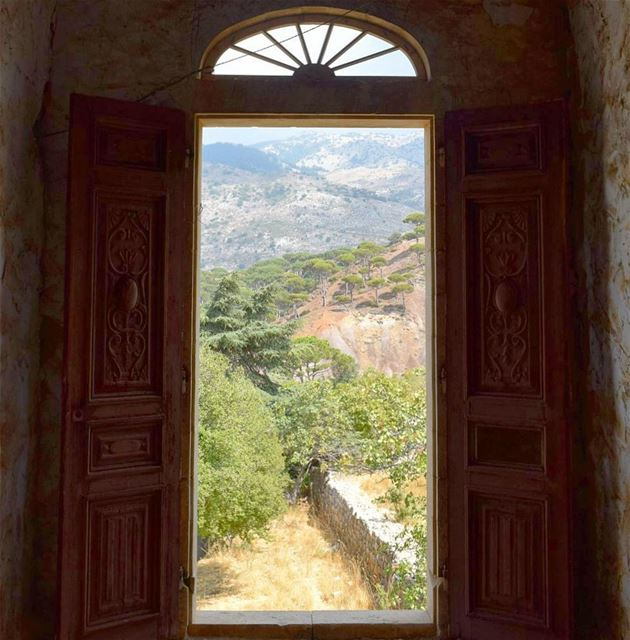 When One Door Closes , Another One Opens 🚪.. liveloveainzhalta ... (Aïn Zhalta, Mont-Liban, Lebanon)