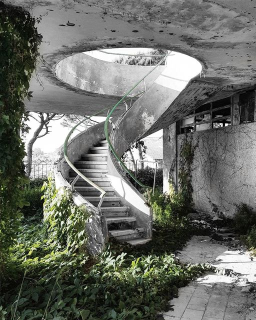 ~ Abandoned Villa ~... abandoned abandonedplaces abandoned_junkies ... (Bhamdoûn, Mont-Liban, Lebanon)