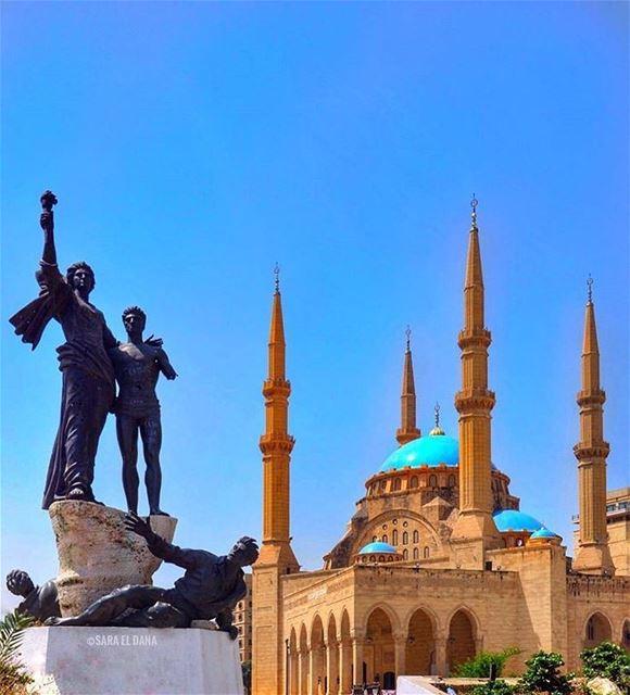 كل عام و أنتم بخير عيد أضحى مبارك على الجميع بالصحة و العافية لبلداننا 🕌 ع (Beirut, Lebanon)