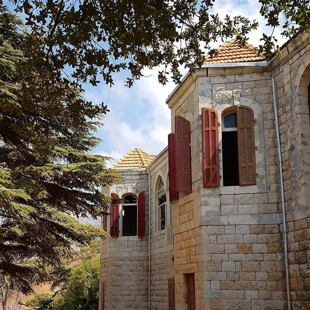 It doesn't matter If your taste is MODERN,TRADITIONAL, CLASSIC or RETRO.... (Aïn Zhalta, Mont-Liban, Lebanon)