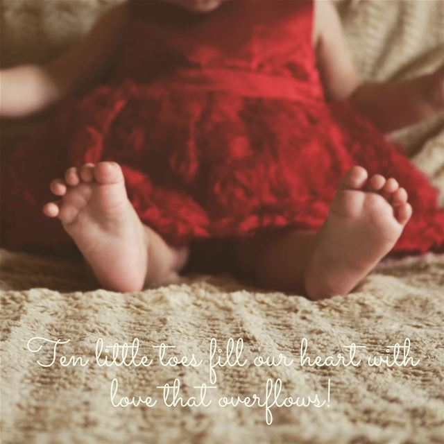 Ten little toes that fill our heart with love that overflows! ❤️---------- (Aley)