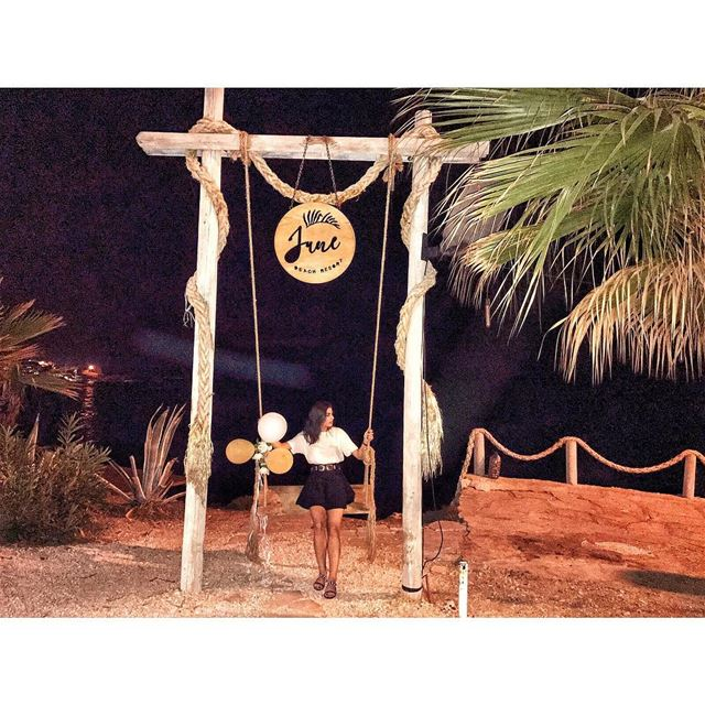 Caution ⚠️Next mood swing - 5 minutesKeep safe distance❗️ (June Beach Resort)
