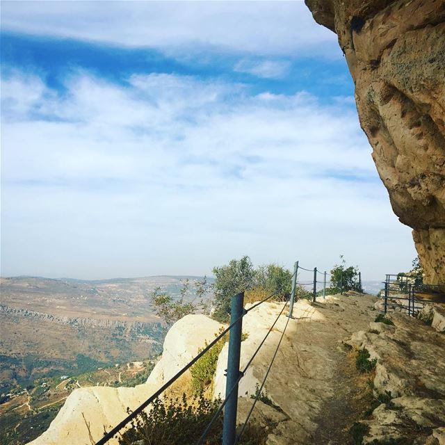 throwback lebanon chouf shouf niha nihafortress nihafort history ... (Niha Fortress - قلعة نيحا)