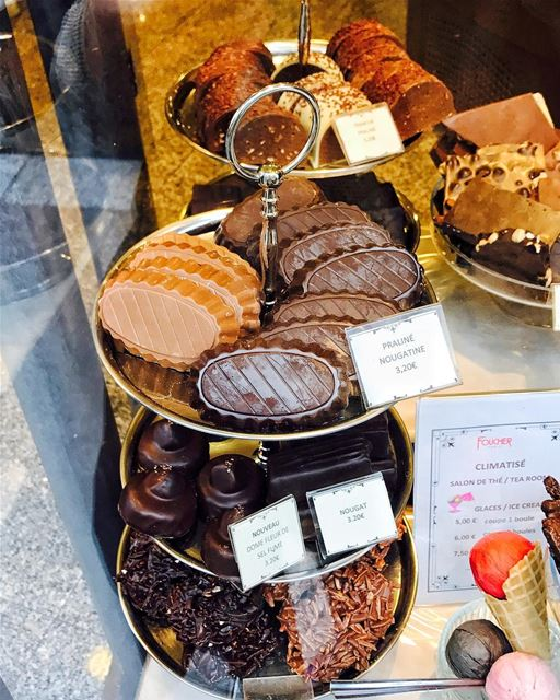 Next to the Chapel there is Chocolat Foucher, a must try place to grab... (Chocolat Foucher)