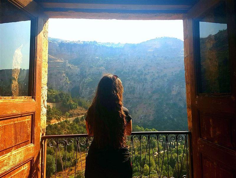 رفعت عيني إلى الجبال من حيث يأتي عوني 🕇• qadisha qadishavalley ... (Wadi Qannubin, Liban-Nord, Lebanon)