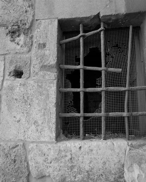 //Locked away// tripoli lebanon livelovelebanon cage bars locked black... (Tripoli, Lebanon)