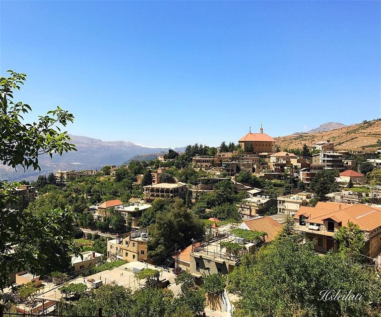 Sabaho from Akoura 😊 whatsuplebanon insta_lebanon ig_lebanon ... (Akoura, Mont-Liban, Lebanon)