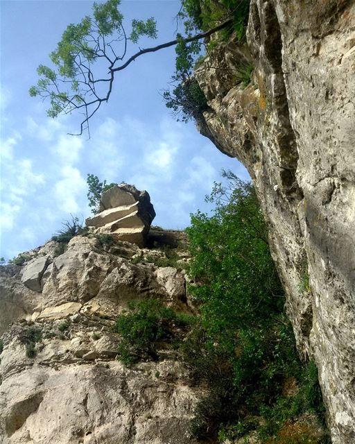 tb lebanon niha beautiful natural rock mountain blue sky nature ... (Niha Fortress - قلعة نيحا)