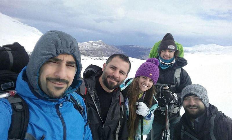 🇱🇧 Montanhistas libaneses no topo da montanha mais alta da Europa para...