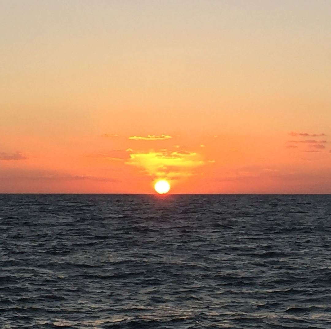 Swipe for the amazing sunset of tonight nofilter beautiful sunset sea ...