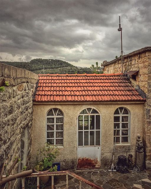 If homes had souls, the stories they would have told.... oldtowns ... (Dayr Al Qamar, Mont-Liban, Lebanon)