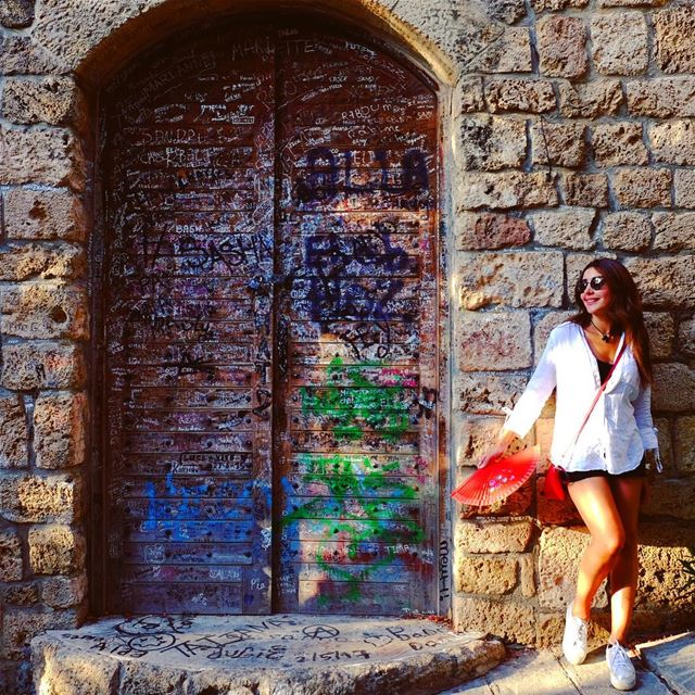 If opportunity doesn't knock, build a door..  whatworksformaya  thoughts ... (Byblos)