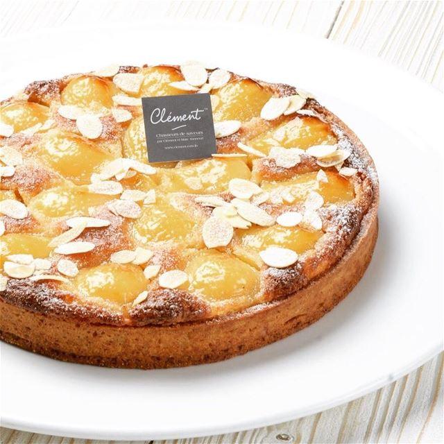 Une tarte bourdaloue s'il vous plait ! 🤤😋 bakery dessert pastries ...