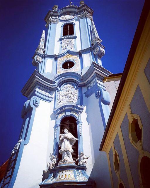 church Austria 💙 bluechurch durnstein architecture baroque ... (Dürnstein)