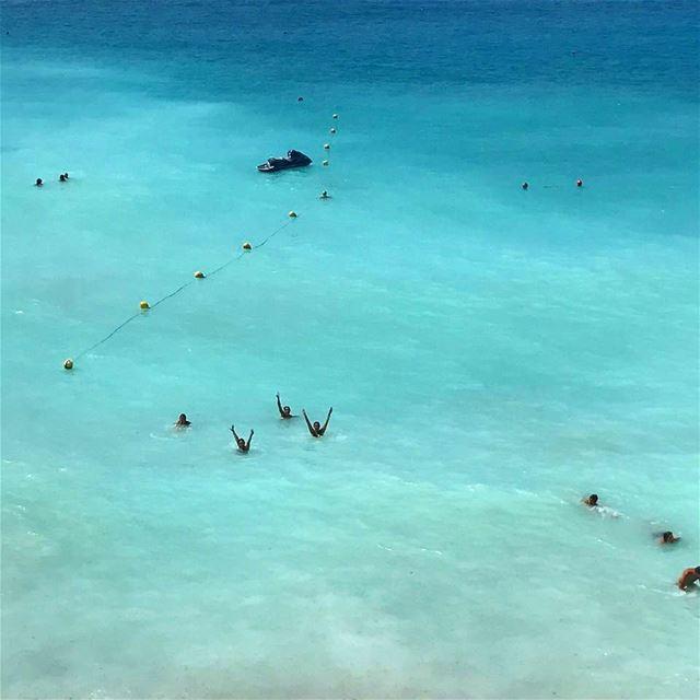 Beach life 🎏 beachlife beachday fresh friends blue summervibe ...
